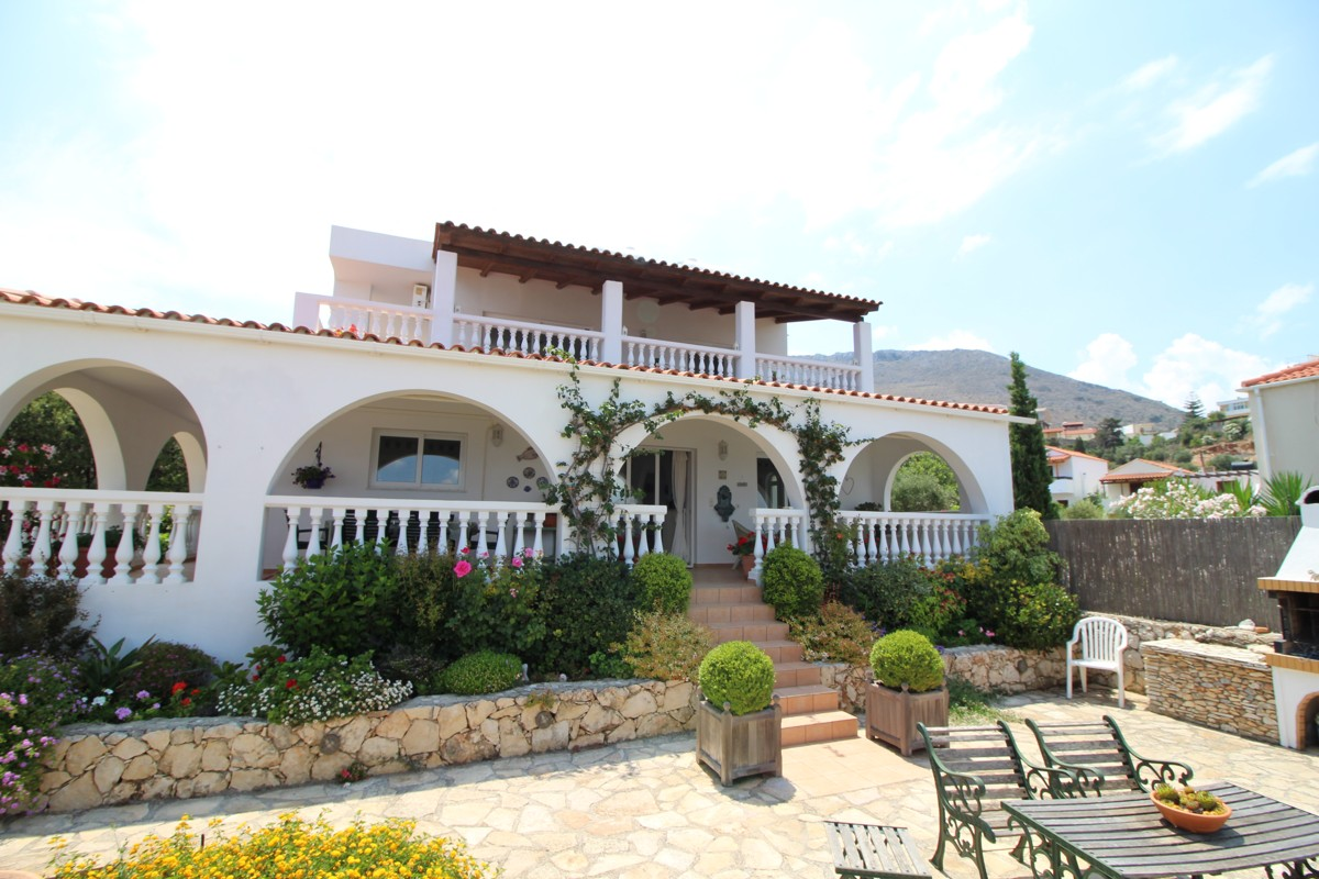 Villa for sale in Kokkino Chorio